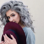 Granny hair: saiba tudo sobre a tendência dos cabelos cinzas